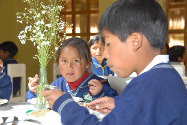 children eating.jpeg